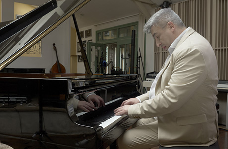 Creason Paris - Pianiste